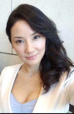 高橋真麻がブログで谷間ショットを披露 ファンから称賛の声も