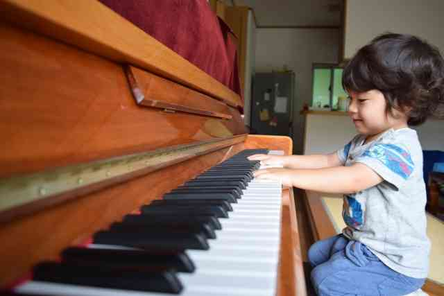東大に入るための最強の習い事はピアノと公文式?