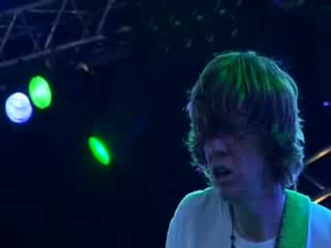 SONIC YOUTH live TEENAGE RIOT - YouTube