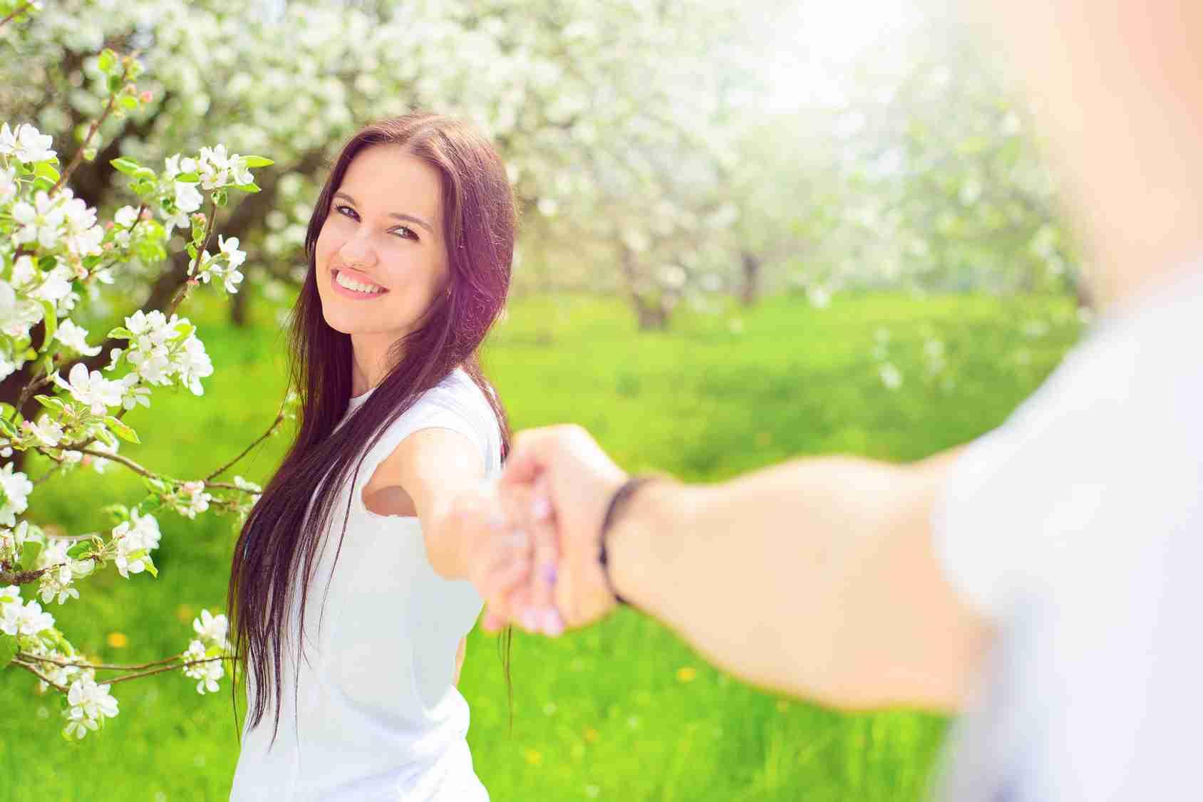 【今がチャンス】「恋人ができた季節」ランキング第1位は春!春が終わってしまう前にLOVEを探しに出かけましょう