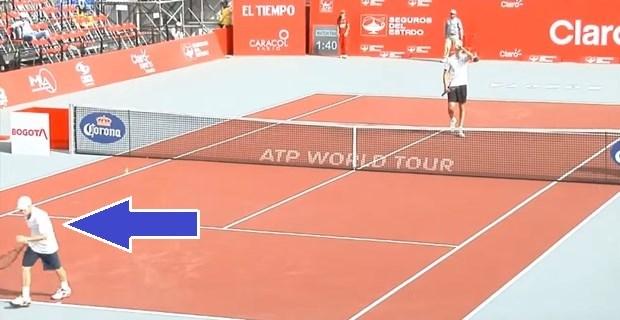 テニス試合後、負けた選手が握手せずに走り去る→理由がわかって大歓声! | BUZZmag