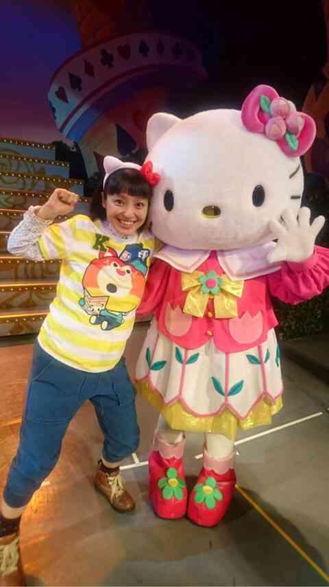 """妊娠中の金田朋子、お腹に""""四次元ポケット""""を付けて「トモえもんです」"""