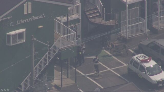 アパート自室に男が立てこもり ライフル所持の情報も | NHKニュース