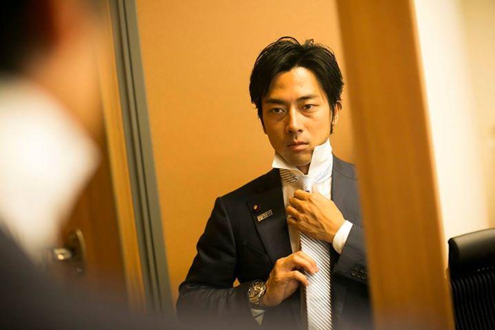 小泉進次郎氏「彼女は?」の質問にタジタジ ニコニコ超会議で高校生とトーク