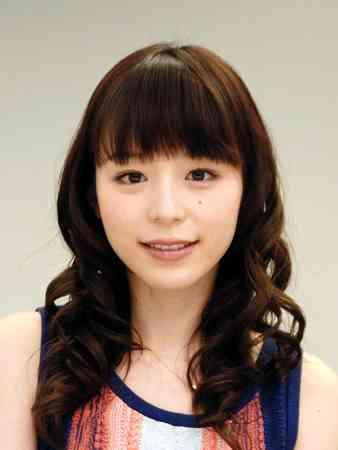 平野綾、銀髪ショートに大胆イメチェン!長髪40センチカットに大反響