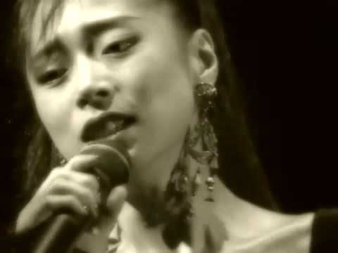 "中森明菜 ""私は風"" (1994 Parco Theater Live) - YouTube"