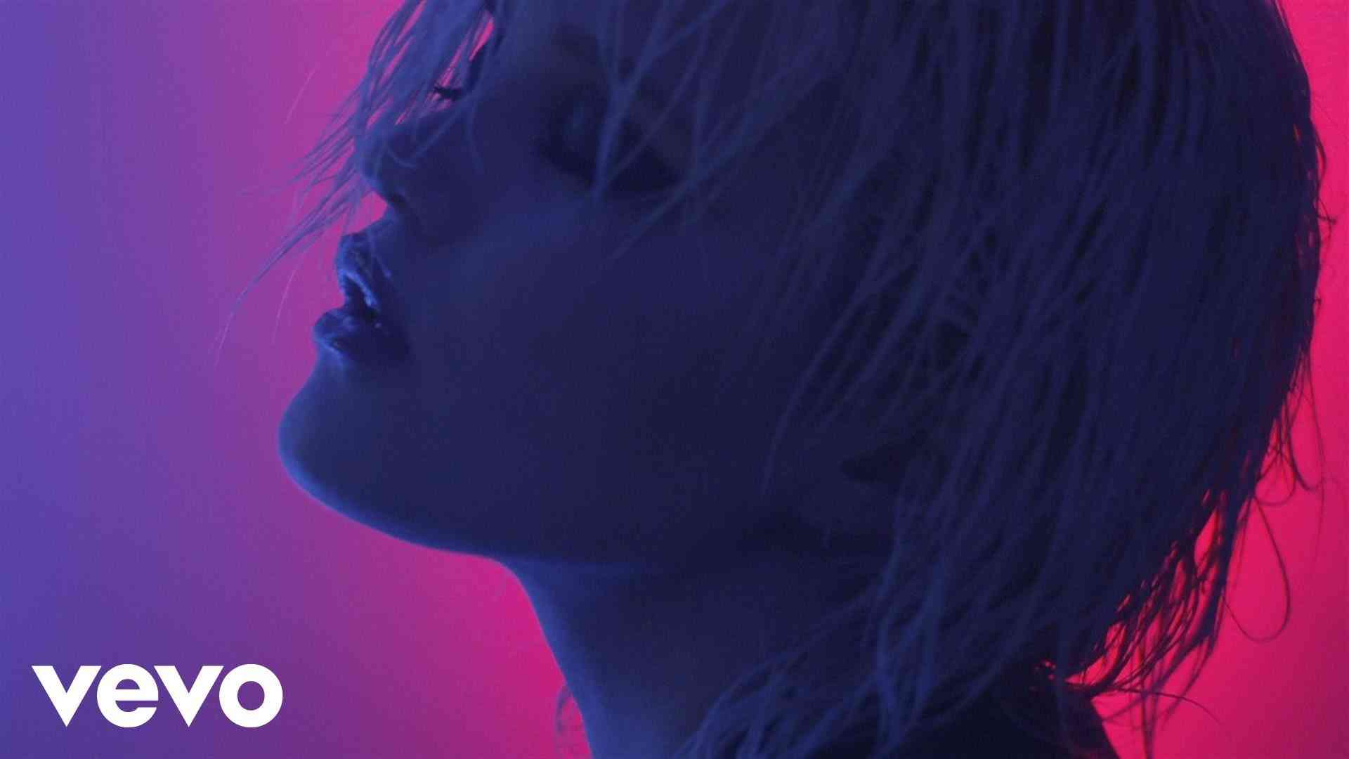 Sky Ferreira - You're Not The One (Official Video) - YouTube