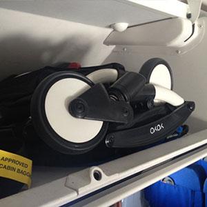 アメリカン航空機で子連れ客大泣き、別の乗客と乗務員が大げんか