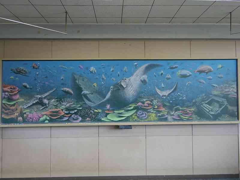 使うのは授業用チョークだけ…高校生が描く「黒板アート」が美しい