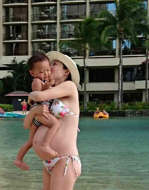小原正子 コンビ解散&ハワイ移住を否定 第2子出産後初の公の場