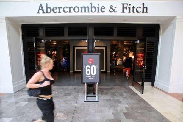 かつての「憧れブランド」アバクロ、衰退の裏に潜む差別主義 | Forbes JAPAN(フォーブス ジャパン)