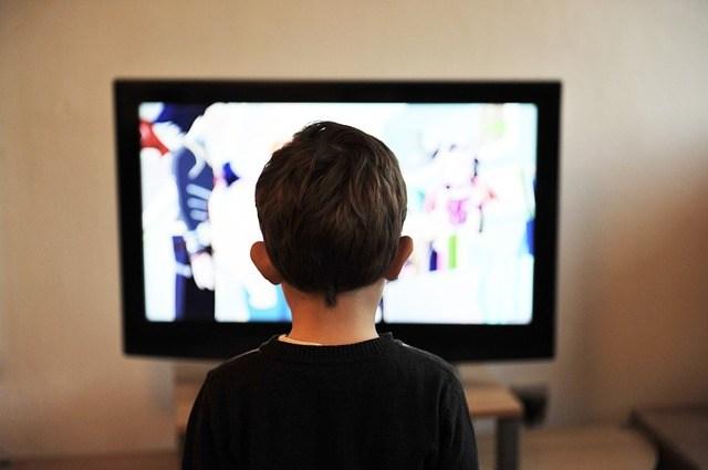 子供にどのくらいテレビを見せますか?