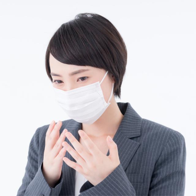 何でも「マスクをしたまま」の人たち、どこまで許せる?
