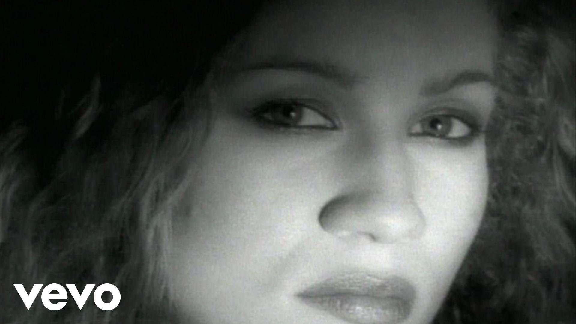 Amanda Marshall - Dark Horse - YouTube
