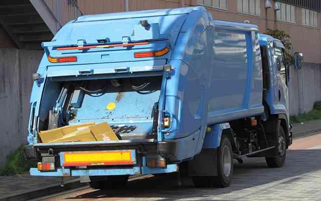 「あまりに心ない言葉で泣いた」ゴミ収集車の職員にクレーム  –  grape [グレイプ]