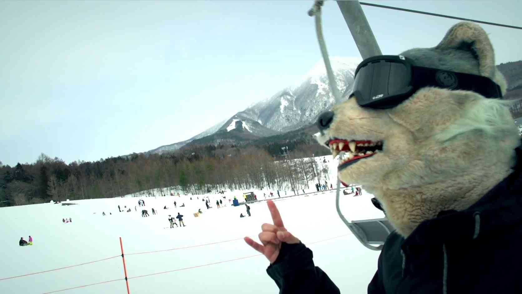 MAN WITH A MISSION 『Memories(FUYUMATSURI ver.)』 - YouTube