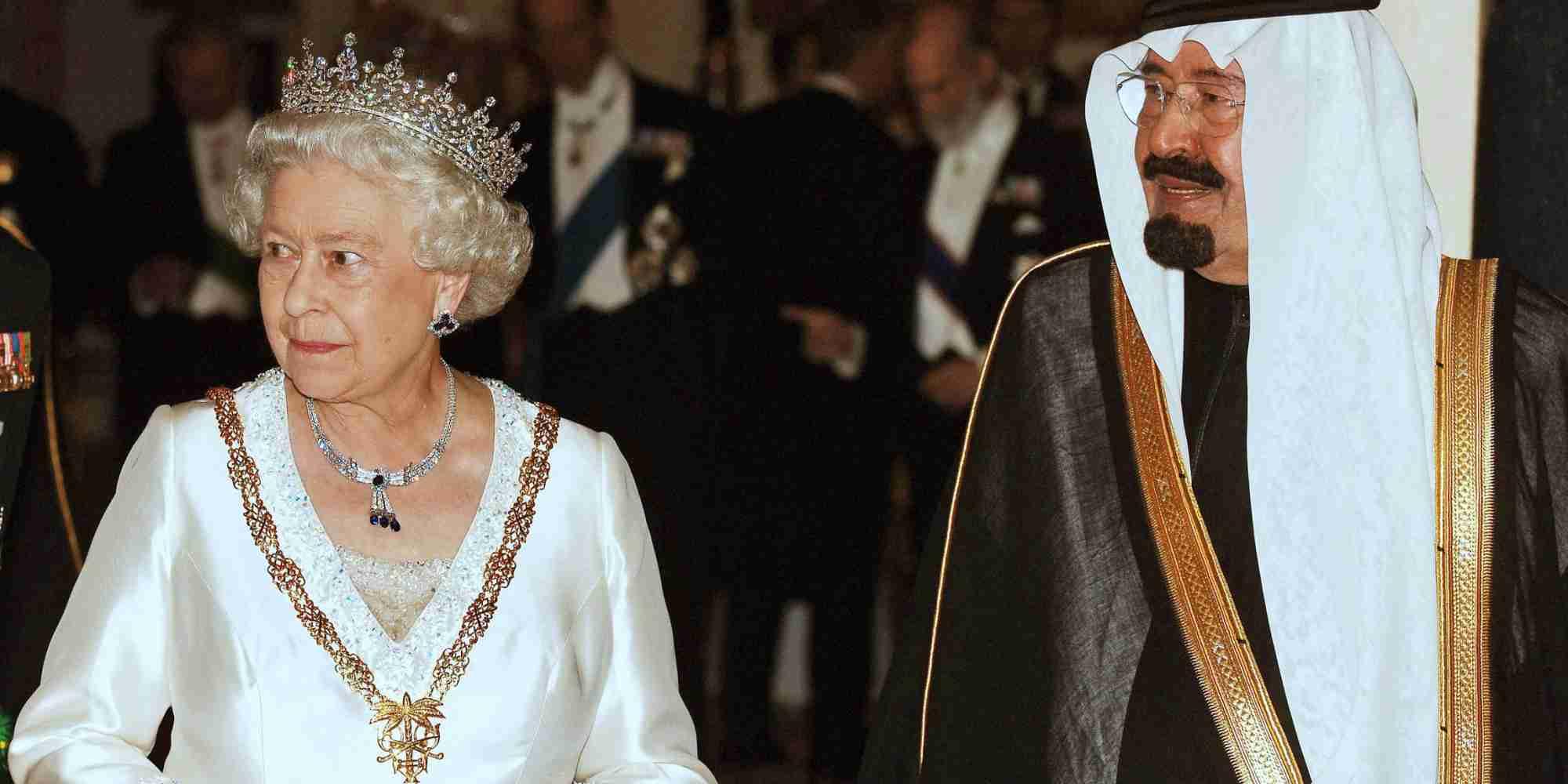サウジアラビアの故アブドラ国王、エリザベス女王の無謀な運転に怯える