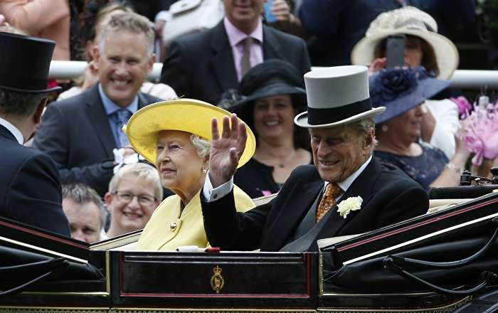 英紙『SUN』、英フィリップ殿下を葬る 女王の夫【写真】