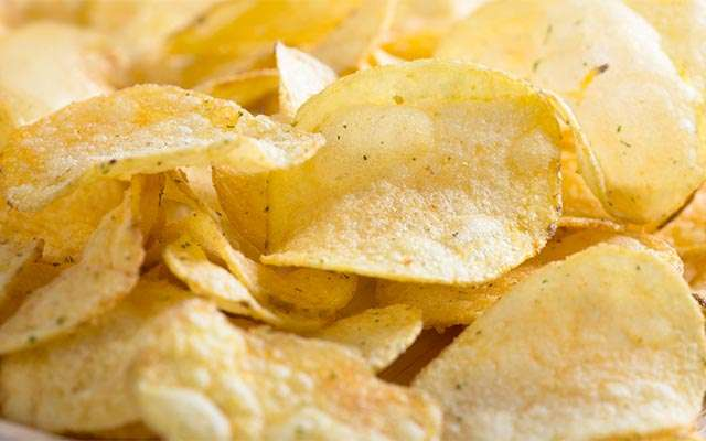 【朗報】「ポテトチップス問題、解決しそう」 ジャガイモ不足が解消の見通し
