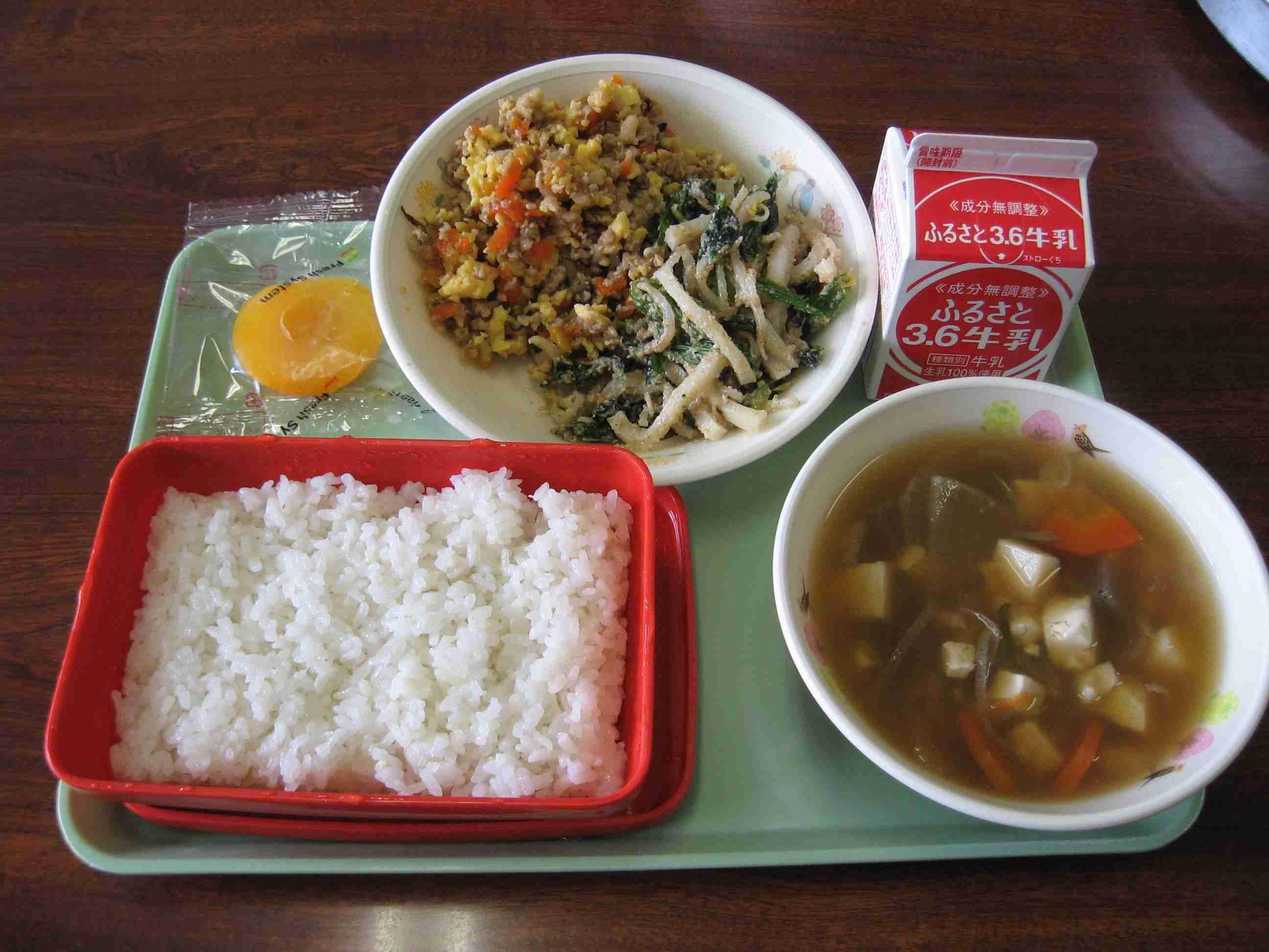 給食のご飯、どんな容器に入ってた?アルミパックは静岡だけ?背景を探ると、米飯給食の歴史が...