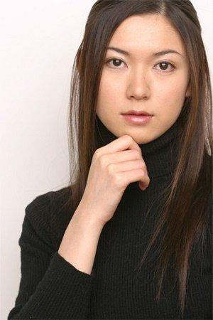 田口淳之介、美背中見せバックショットも披露!いまの魅力すべてがつまった初の写真集を発売