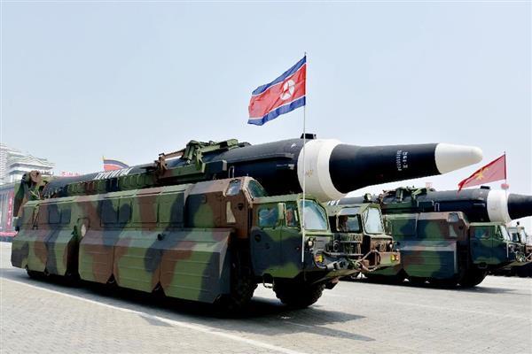 【北ミサイル】米グアムも射程か「ロフテッド軌道」で30分間飛行 脅威増大「ICBMの一歩手前」  (1/2ページ) - 産経ニュース