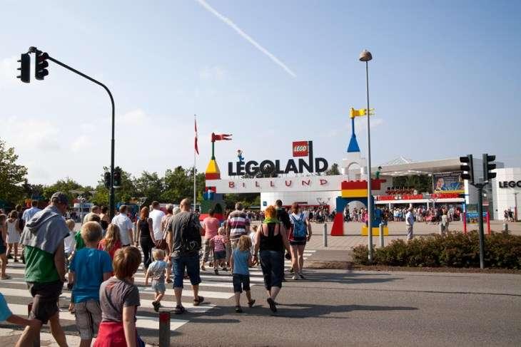 レゴランド、オープン2か月足らずで値下げ