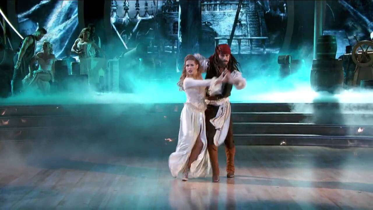 Riker Lynch & Allison Holker Dancing with the Stars week 5 - YouTube