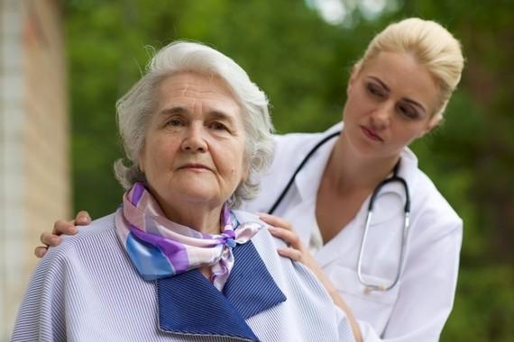 女医に診てもらうと死亡率が低い 米研究、男性医との差はどこに