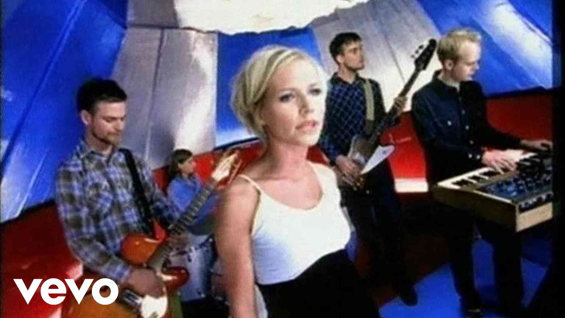 The Cardigans - Lovefool - YouTube
