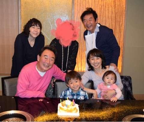 東尾理子が父・修氏の誕生日をお祝い 幸せな家族写真公開