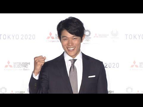 鈴木亮平、CMで英語ナレーションに挑戦 - YouTube