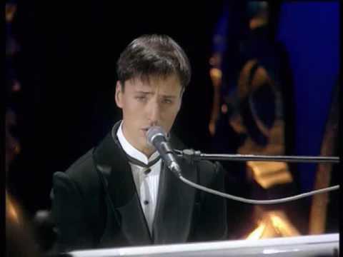 ヴィタス VITAS-『Dedication』2003 日本TV紹介の超高音 - YouTube