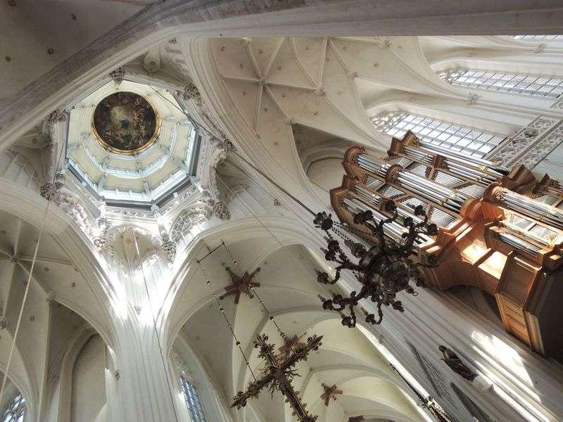 『フランダースの犬』の舞台「アントワープ聖母大聖堂」へ!!これがネロの見たかったルーベンスの絵!! | ベルギー | トラベルjp<たびねす>