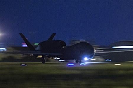 大型無人偵察機、横田飛来=北朝鮮ミサイル・核監視―10月末まで暫定配備・米空軍 (時事通信) - Yahoo!ニュース