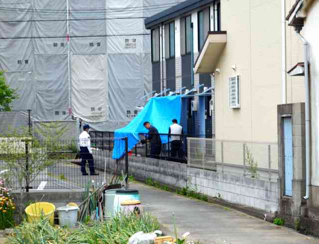 1歳次男を床に落とし殺そうとした疑い 両親を逮捕:朝日新聞デジタル