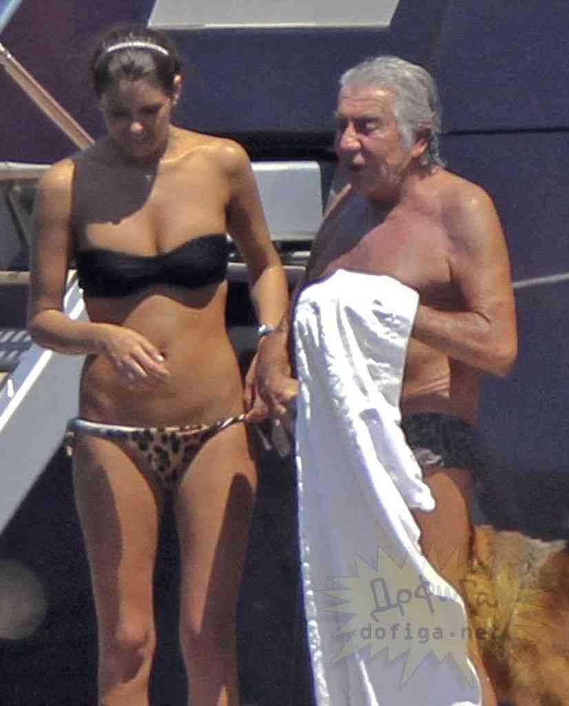72歳のおじいちゃんでもお金持ってればこんな美女と付き合えるらしい