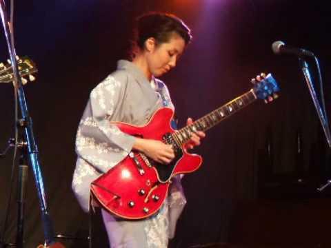 ギター女子の画像を貼るトピ