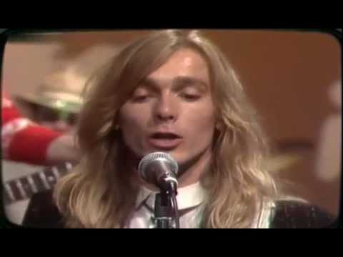 Cheap Trick - I want you to want me 1979 - YouTube