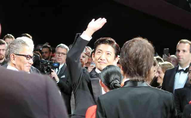 キムタクがカンヌ上映に登場 会場は笑いと拍手と歓声に:朝日新聞デジタル