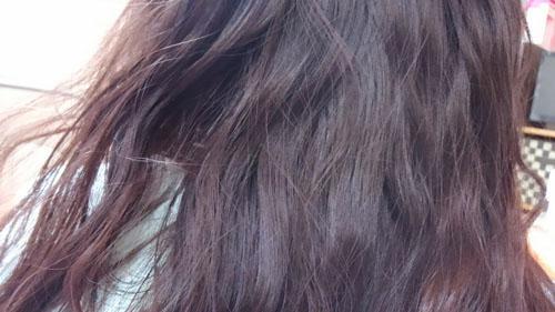 梅雨時で髪の毛が思うように決まらない方必見!! 湿気に負けないヘアケアのコツ