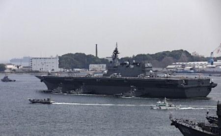 米補給艦と房総半島で合流=並走、防護し四国沖へ―安保新任務・海自「いずも」 (時事通信) - Yahoo!ニュース