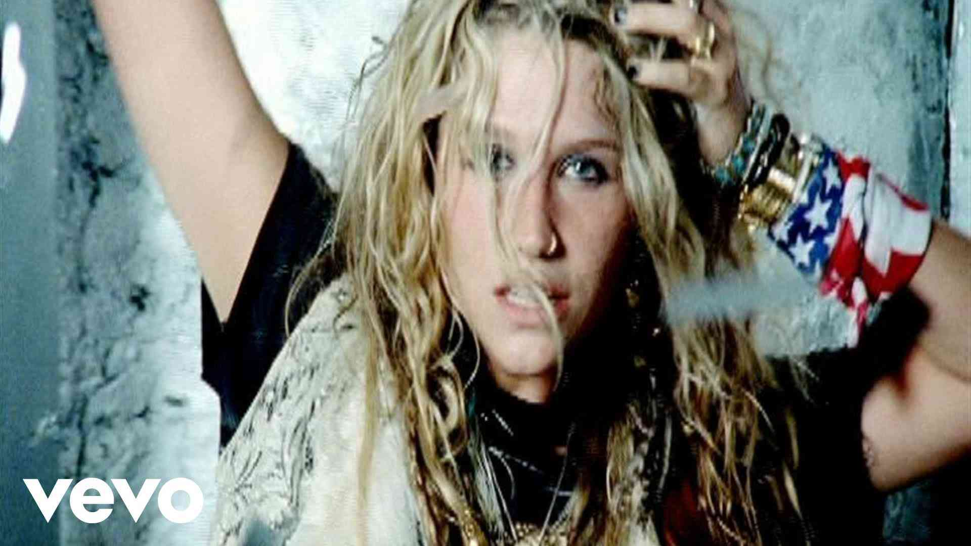 Ke$ha - TiK ToK - YouTube