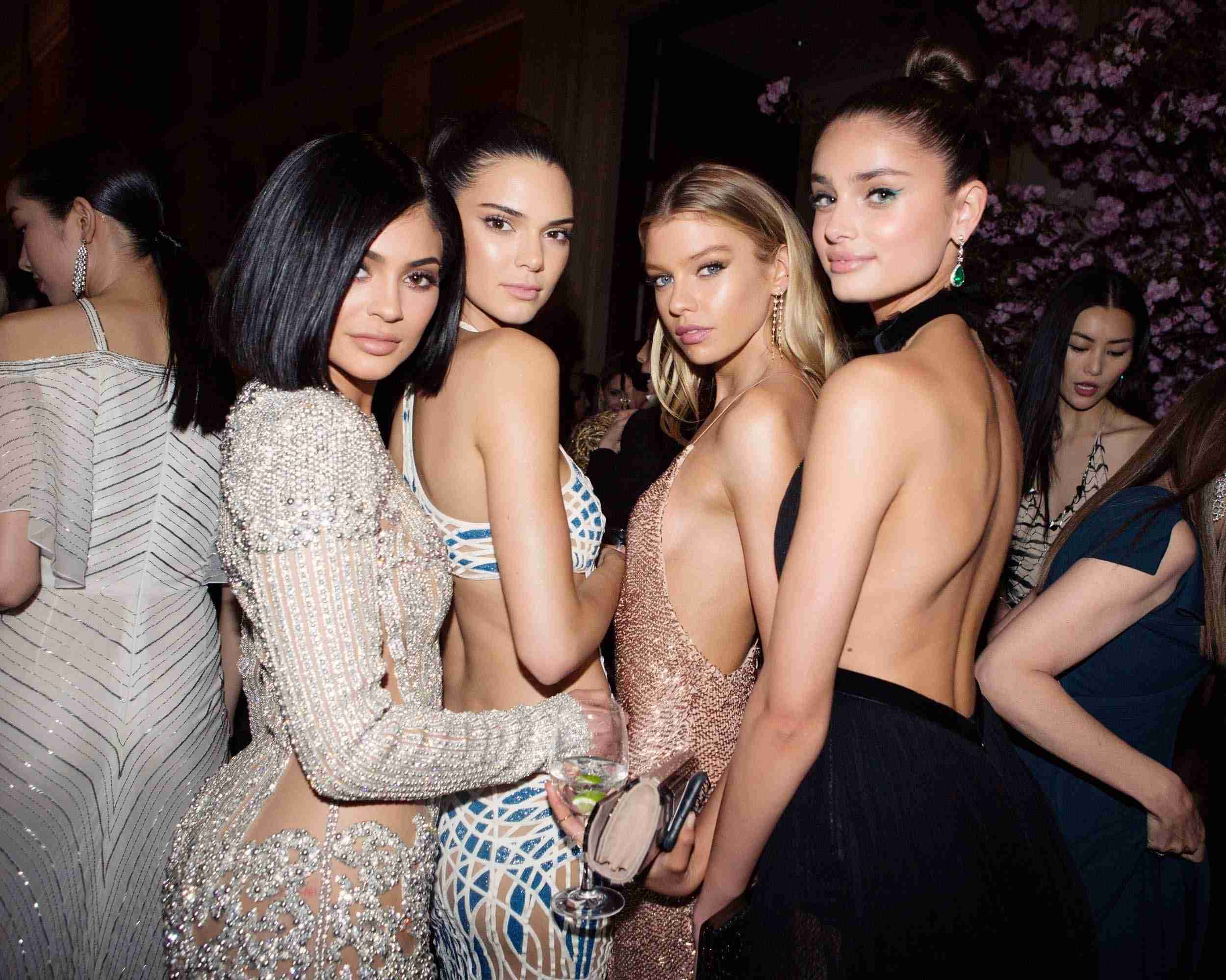 Met Gala 2017: Celebrities, Red Carpet Fashion, and Beauty Trends - Vogue