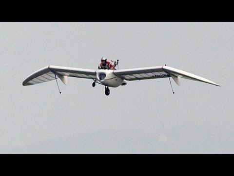 「メーヴェ」初の公開飛行 「ナウシカ」の翼が実現 北海道・滝川 (2016/07/31)北海道新聞 - YouTube