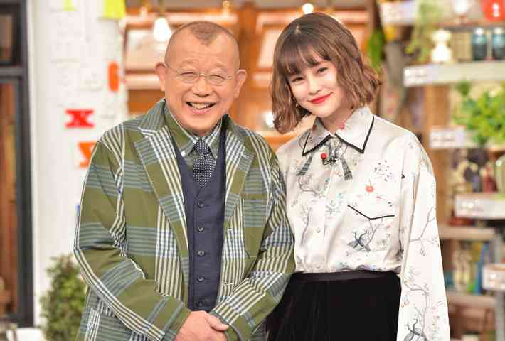 笑福亭鶴瓶 光浦靖子の容姿の変化を笑ったアシスタントMCのemmaを注意