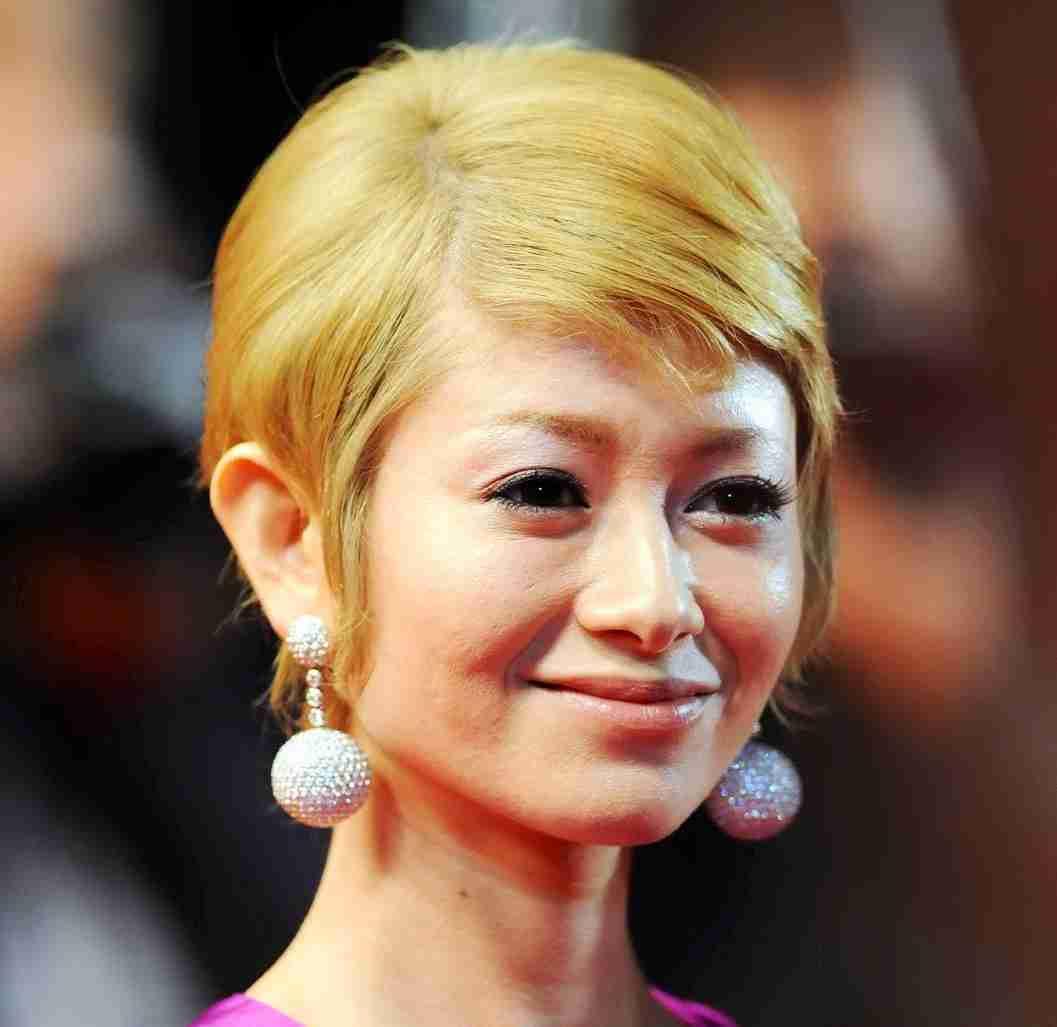 金髪姿の女優、俳優が見たい!