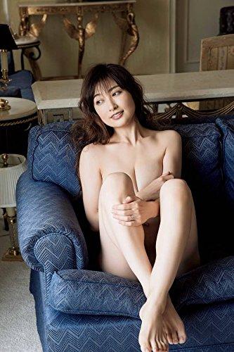 熊田曜子 新写真集でギネス申請中「胸は人生で一番大きい時」