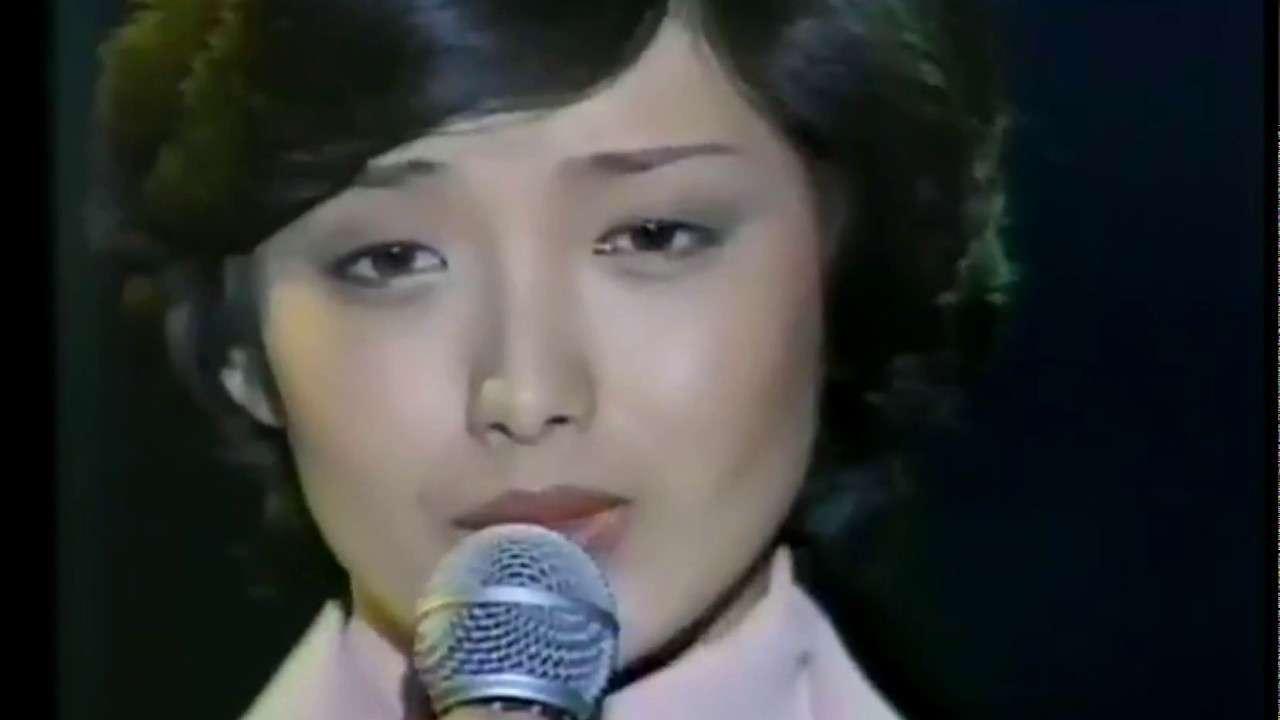 山口百恵 西城秀樹 ラストシーン 1978 - YouTube