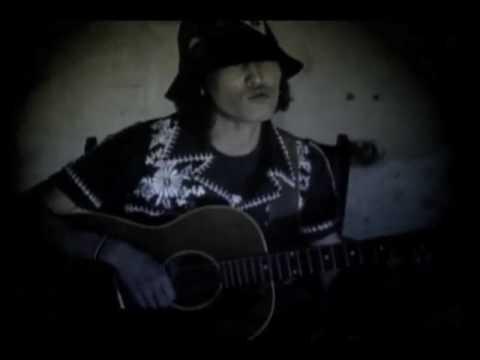 黄金の月 - スガ シカオ(SUGA SHIKAO) - YouTube
